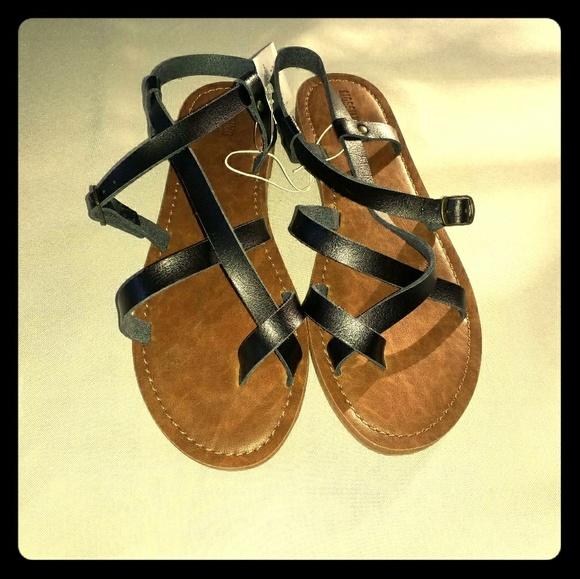 6efdc161dc6e Toe-Wrap Lavinia Black Thong Sandals
